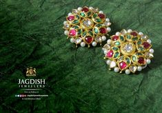 Unforgettable moments made by priceless jewellery like the earrings by Jagdish Jewellers Patiala that dangle with a sparkle as you do the talking with eyes. Indian Wedding Jewelry, Indian Jewelry, Diamond Tops, Cheap Jewelry, Antique Jewelry, Gold Jewelry, Diamond Jewelry, Silver Necklaces, Necklace Designs