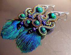 Boucles d' oreille verte bleu turquoise Paon soutache : Boucles d'oreille par julitabijoux