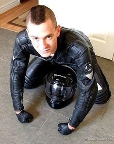 A collection of boys and guys expressing themselves. Sexy Biker Men, Biker Boys, Motorcycle Suit, Motorcycle Leather, Latex Men, Bike Leathers, Tight Leather Pants, Gay, Leather Skin