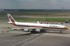 Airbus-A340-300-com-a-antiga-pintura-de-1979-2005-da-TAP-768×548