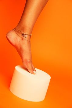 A slideshow of best anklets of 2016 show your ankles you care. Orange Is The New, Girls Best Friend, Anklets, Fashion Art, Women Jewelry, Good Things, Magazine, Dreams, Jewels