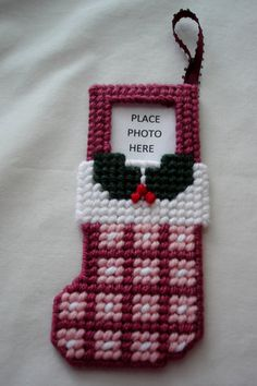 Stocking Photo Frame Christmas Ornament by LesleesCrafts on Etsy, $3.75 - plastic canvas