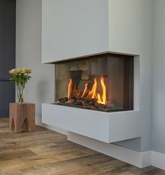 Vented Gas Fireplace, Home Fireplace, Electric Fireplace, Fireplace Surrounds, Fireplace Design, Style At Home, Home Living Room, Kitchen Remodel, Architecture
