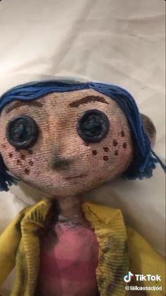 Coraline Movie, Coraline Doll, Coraline Jones, Coraline Aesthetic, Clay Art Projects, Fun Diy Crafts, Diy Canvas Art, Stop Motion, Diy Art