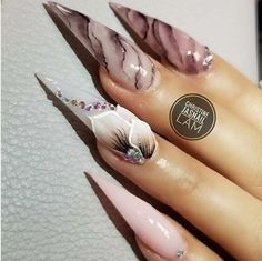 Try some of these designs and give your nails a quick makeover, gallery of unique nail art designs for any season. The best images and creative ideas for your nails. Dope Nails, Glam Nails, Pink Nails, Nail Swag, Nailart, Uñas Fashion, Liquid Nails, Stiletto Nail Art, Gel Nail Colors