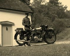 Lawrence standing with his Brough Superior in front of Cloud's Hill.. http://4.bp.blogspot.com/_4-yBZr5goc4/TQJF8CzHI-I/AAAAAAAAAiU/EOhPI5-g_qw/s1600/Brough_Superior_1924_SS80.jpg