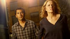 What is making everyone sick? That's the big question viewers are wondering after episode 2 of 'Fear The Walking Dead'. Fans of 'The Walking Dead' have long been told that whatever makes you a The Walking Dead Deaths, Walking Dead Images, The Walking Dead Poster, Walking Dead Series, Walking Dead Cast, Walking Dead Season, Cliff Curtis, Zombie News, The Woman In Black