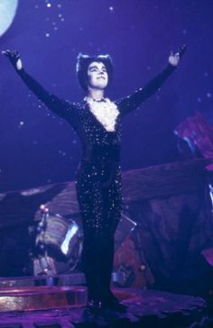 The 1998 Cats film - Cats The Musical Theatre Geek, Broadway Theatre, Musical Theatre, Jellicle Cats, Found Cat, Cat Movie, Cats Musical, Broken Leg, Les Miserables