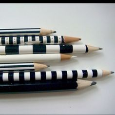 These black and white striped pencils gave me some ideas for my black and wedding theme.