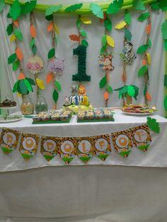 Baby boy birthday table 37 ideas for 2019 Jungle Theme Parties, Jungle Theme Birthday, 1st Birthday Party Themes, Safari Birthday Party, Baby Boy 1st Birthday, Birthday Table, Jungle Party, Birthday Decorations, Lion King Birthday
