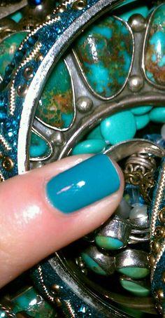 OPI color FLY perfect turquiose nail polish!