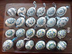 Yule Crafts, Diy And Crafts, Egg Tree, Lace Painting, Easter Egg Designs, Faberge Eggs, Egg Decorating, Line Design, Easter Crafts