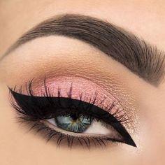 light pink eye look