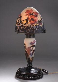 MULLER Frères Lunéville Anémones Lampe de table ; le pied balustre,