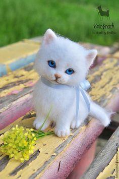"""Валяна игрушка """"Белый котеночек"""" #needlefelting #toy"""