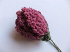 By Helen: Crochet Tulip Pattern.