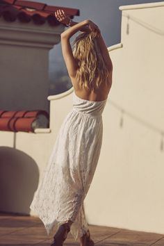 White Lace Dresses made for rooftop dancing // A&F Summer Getaway Abroad