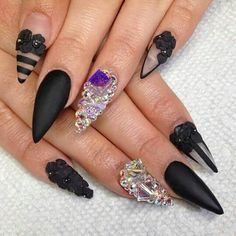 Nails Black swarosky