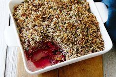Pear and rhubarb crumble – Recipes – Bite