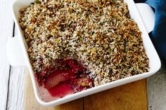 Pear and rhubarb crumble