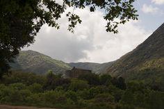 Masia del s. XIII, popularment coneguda pel naixement de Joan Sala i Ferrer, conegut com a Serrallonga.