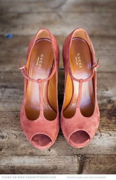 Pink suede peep toe pumps (French)