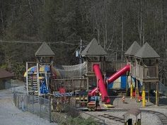Things to Do With Toddlers in Gatlinburg, Tennessee thumbnail