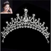 Köves tiara