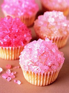 Rock Stars: Top Frosted Cupcakes With Rock Candy. Don't think I would eat rock candy on cupcakes but it is so sparkly Sparkly Cupcakes, Crystal Cupcakes, Pink Cupcakes, Star Cupcakes, Pretty Cupcakes, Yummy Cupcakes, Princess Cupcakes, Vanilla Cupcakes, Vodka Cupcakes