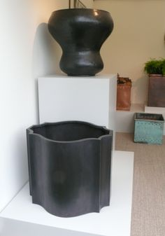 A first look at Bronzino's brand new Odalisk Violetta planter. Launching this week #RHSchelsea