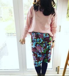 New pink knit gave the floral pencil skirt a new outing. #tuesdayslook #tuesdayinspiration #ootd #wiwt #floralskirt #pinkjumper #pinkandgreen #somersetstylist #personalstylist #wardrobestylist #somersetstylist #fashionblogger #fashionstylist #fashionexpert #7daysofstyle