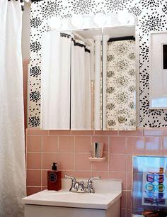 Pink Bathroom Wall Decor Ideas