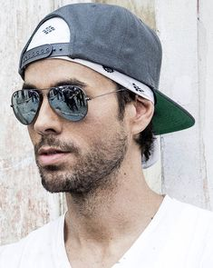 Enrique Iglesias Albums, Madrid, Moving To Miami, A Guy Like You, Big Hugs, Fine Wine, Mens Caps, Record Producer, One Pic