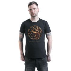 """Game Of Thrones - Metallic Targaryen  - front print - round neck - regular fit  The series Game Of Thrones is about the fight for the Iron Throne. Westeros belongs to the seven kingdoms and is reigned by the king on the Iron Throne in King's Landing. One of the great houses is the house of Targaryen, also known as the dragon lords. The front print on this black """"Metallic Targaryen"""" t-shirt features the three-headed dragon, the crest of the house of Targaryen. Wearing this t-shi..."""