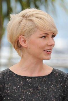 Michelle Williams Short Haircut: Asymmetrical Long Grown-out Blond Pixie Cut