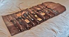 leather carving - Google-haku