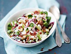 Italialainen perunasalaatti | Valio Vegetarian Recipes, Cooking Recipes, Healthy Recipes, Healthy Food, Bon Appetit, Finger Foods, Pasta Salad, Potato Salad, Salad Recipes