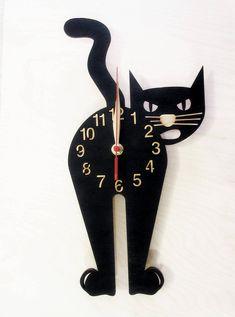 Die hölzerne Uhr ist ein einzigartiges Geschenk für den Tierliebhaber :) - für sich selbst oder Ihre Freund oder Freundin, Vater oder Mutter, Frau oder Mann. Exklusive Wanduhren aus Birken-Sperrholz gefertigt. Wand-Kunst-Dekor für Spielzimmer, Kinderzimmer, Kinderzimmer, Schlafzimmer,