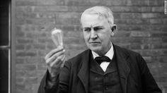 Edison presenta el diciembre de 1879 la primera bombilla eléctrica.