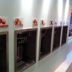 Photo of Tutti Frutti Frozen Yogurt - Pittsburgh, PA, United States. 10 flavors
