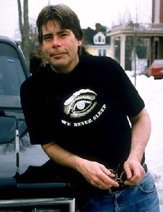 Stephen King - Biography on the Man and Career Highlights - The Entertainment eZine