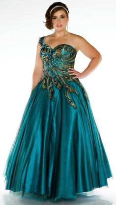 Plus size prom dresses... why didnt i find this when i went to prom??