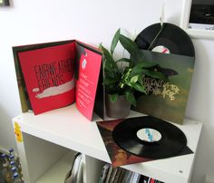 We just received stock of the nice Queens of the Stone Age 'Like Clockwork Deluxe Edition'. Pressed on 180 gram wax at good old Pallas with beautiful printed innersleeves and a 20 page booklet, pasted into the heavyweight gatefold sleeve (plant not included).  http://www.hhv.de/shop/de/artikel/queens-of-the-stone-age-like-clockwork-deluxe-edition-315425