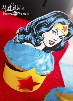 Cupcakes at a Wonder Woman Party #wonderwoman #partycupcakes