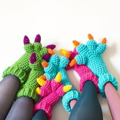 I wish I could crochet so I could make these for my nieces and nephews!!