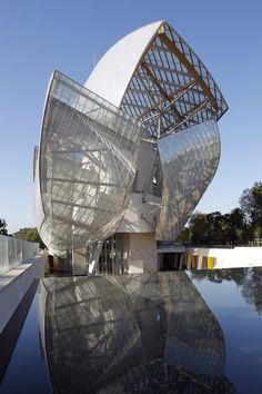 """Das Museum of Modern Art gilt als eine der einflussreichsten Sammlungen zeitgenössischer und moderner Kunst. In Zusammenarbeit mit der Fondation Louis Vuitton präsentiert das MoMA mit """"Being Modern: MoMA in Paris"""" eine Auswahl sorgfältig kuratierter Kunstwerke in der französischen Hauptstadt - eine außergewöhnliche Ausstellung, in Widmung an eine 88-jährige Sammlung grundlegender, künstlerischer Arbeiten."""