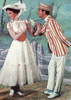 Mary Poppins and Bert in Jolly Holiday Julie Andrews Mary Poppins, Mary Poppins And Bert, Mary Poppins Movie, Mary Poppins 1964, Mary Poppins Costume, Mary Poppins White Dress, Mary Poppins Broadway, Walt Disney, Disney Trips