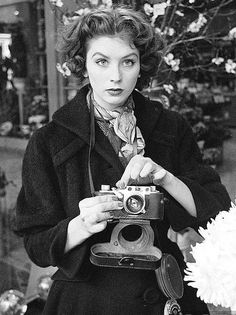 L'actrice et modèle Suzy Parker a été brièvement photographe pour l'Agence Magnum (photo de Peter Stackpole en 1953).