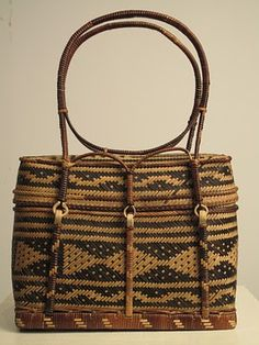 Chitimacha (or Choctaw) river cane basket (Gorgeous, would wear right now! Native American Baskets, Native American Pottery, Native American Artifacts, Native American Indians, Native Americans, Choctaw Indian, Choctaw Nation, Cane Baskets, Indian Baskets