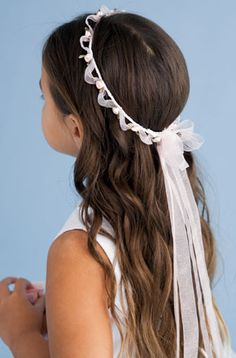 What are you thinking for girls hair? Wreath, headband or bow, braid, updo, etc? Another braid for Primera Comunion